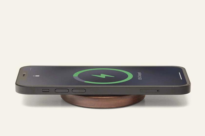 Apple работает над заменяемым аккумулятором MagSafe для iPhone 12