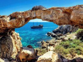 Кипр открывается для украинцев