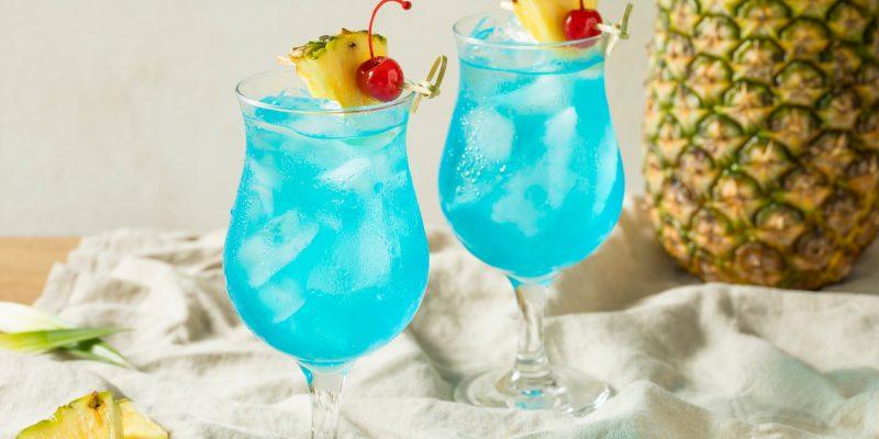 Рецеп коктейля Голубая лагуна