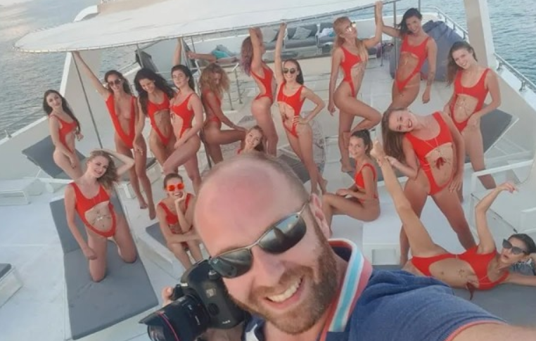 Устраивал оргии для депутатов Рады. СМИ назвали организатора скандальной фотосессии в Дубае. Виталий гречин инстаграм