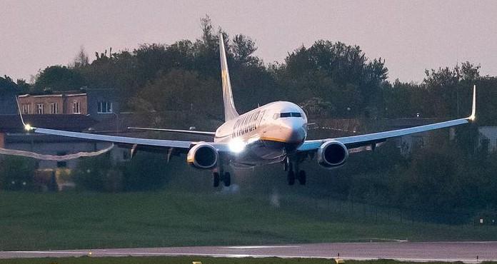 ЕС обвиняет Беларусь в угоне самолета. Что случилось в Белоруссии с самолетом?