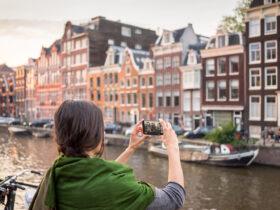 В Нидерландах отменяют локдаун