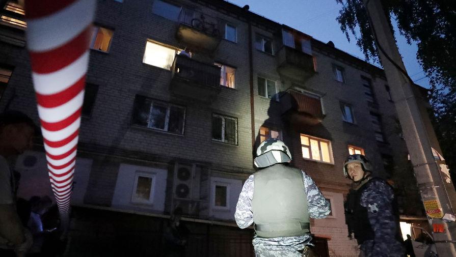 Стрельба в Екатеринбурге. Мужчина стрелял в прохожих из окна. Есть раненые
