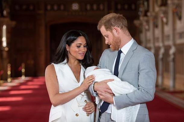 Меган Маркл родила девочку. Её назвали в честь Елизаветы II и принцессы Дианы.