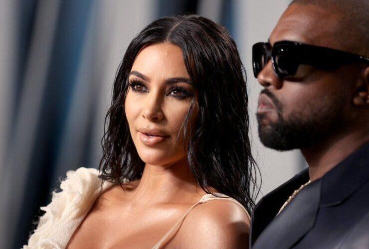 Канье Уэст: Ким Кардашьян на мероприятии Donda в свадебном платье
