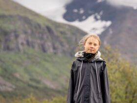 Грета Тунберг на обложке первого номера Vogue Skandinavia. У активистки много возражений против модной индустрии.