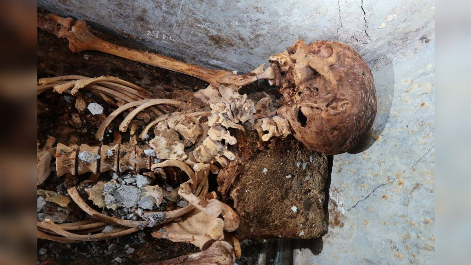 Великолепно сохранившаяся мумия раба найдена на кладбище Помпеи