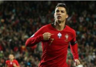 Кто самый лучший футболист в мире? Топ-10 лучших футболистов 2021 года