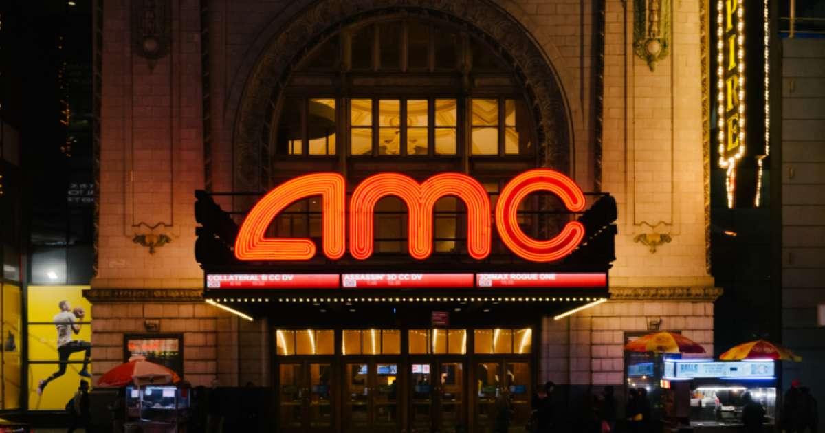 Генеральный директор AMC Entertainment призывает Apes оставаться в курсе обновлений Dogecoin и делает комплимент Илону Маску