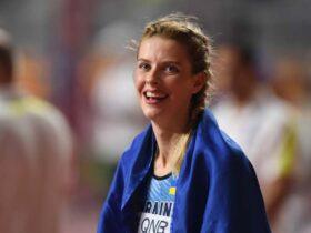 Ярослава Могучих выступила с заявлением, посвящённым недавней фотографии с олимпийской чемпионкой, россиянкой Марией Ласицкене.