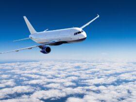 Почему самолеты красят в белый цвет