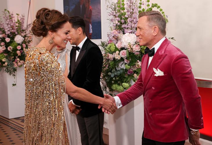 Кейт Миддлтон и принц Уильям посетили премьеру фильма о Джеймсе Бонде